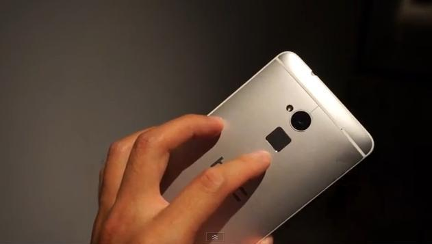 HTC One max 與iPhone 5S的指紋辨識系統的使用方式與內建位置都不同。(Photo by網路截圖)