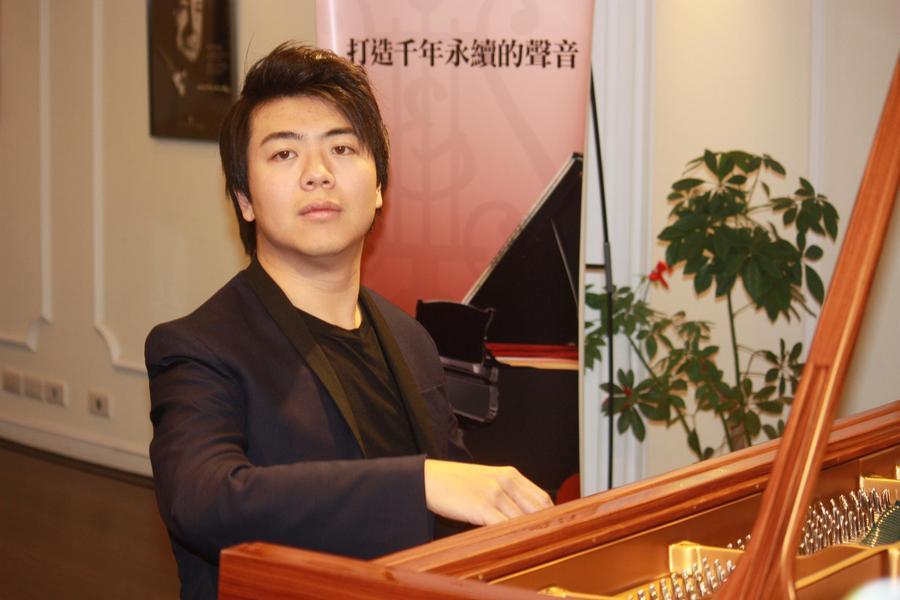 郎朗分享參加金馬50頒獎典禮感想,並試彈史坦威鋼琴。 (Photo by方家敏/台灣醒報)