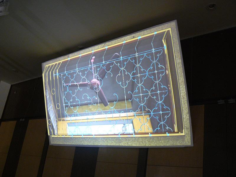 「表象深度互動投影裝置」主題特展,希望能擺脫穿戴式裝置,直接給觀賞者3D虛擬實境的視覺體驗。(photo by 游昇俯/台灣醒報)