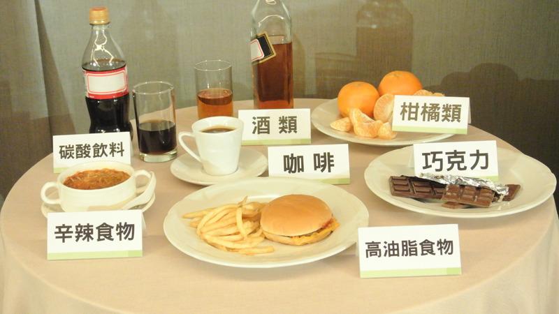 曾屏輝強調,油、鹽、酸及過辣的食物都要少吃,暴飲暴食也不好,很多民眾有早午餐沒吃,但是晚上吃大餐的習慣,這都是很容易造成逆流的情況。(photo by 許瑋哲/台灣醒報)