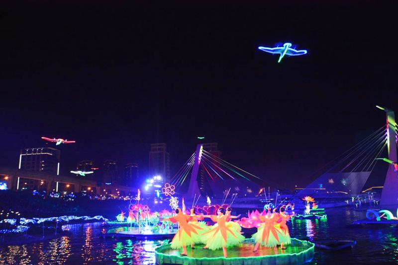 台灣燈會將在6日晚間閉幕,吸引了1900多萬人次賞燈,創造超過1億9千萬商機。(photo by 鄭文燦臉書)