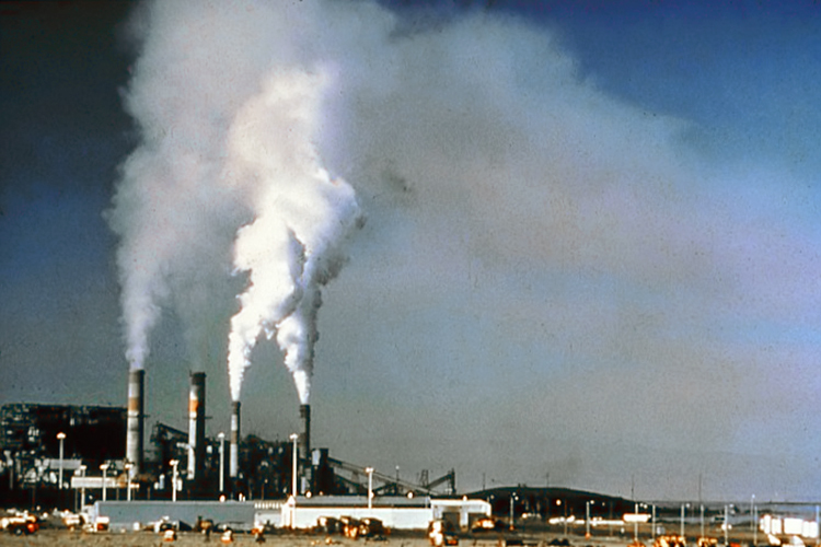 空气污染是人类健康的隐形杀手,但若能严格把关,可拯救近万条生命。(photo bywikipedia)