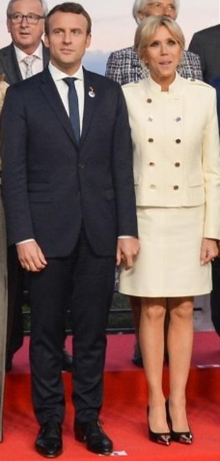 Emmanuel_macron_and_brigitte_macron_at_g7_summit_2017