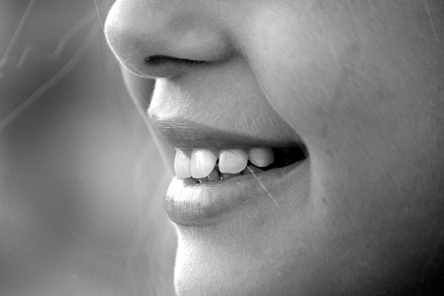 Little-girl-mouth-nose-laugh-teeth-chin-smile-191626
