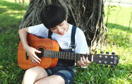 Guitar-2422149_1280