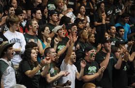 閉門比賽、少了觀眾噪音,對球員來說會帶來什麼影響?研究發現兩大截然不同的影響。(photo from wikimedia)