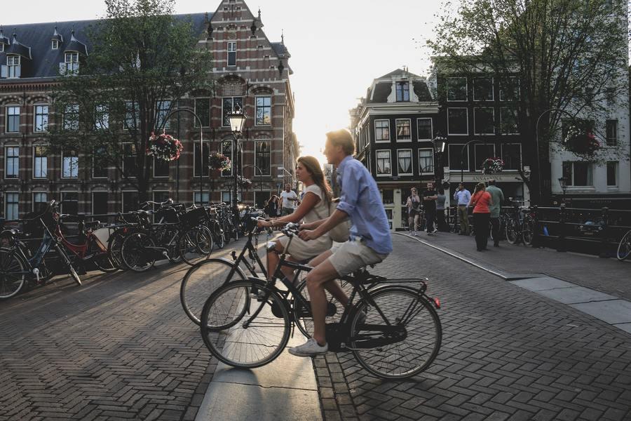 自行車安全又環保的特點,在後疫情時代大受歡迎。(Photo by sabina fratila on Unsplash)